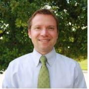Dr. McKay headshot bio